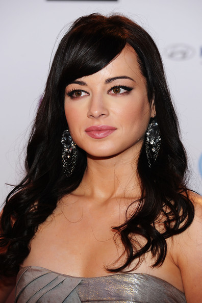 Ashley_Rickards_MTV_Europe_Music_Awards_2011_E9Y59fSUxyl